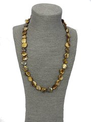 Handmade Mother of Pearl Necklace (Brown)