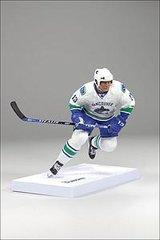 McFarlane NHL Series 22 Mats Sundin Vancouver Canucks