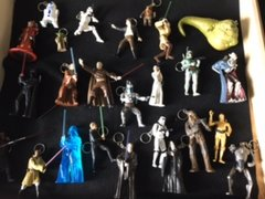 Star Wars - Classic Trilogy - Keychain Collection - 25 Piece Collectors Set - includes Special Edition Hologram Darth Vader