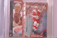 McFarlane NHL Series 1 Steve Yzerman Detroit Red Wings Super Chase Graded Figure
