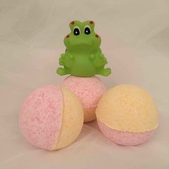Pear Drops Bath Bomb