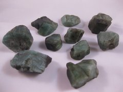 10 Emerald Crystals