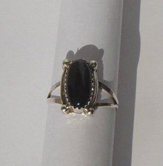 Onyx Ring oval-shaped Bead Design