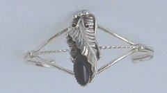 Sterling Silver- Onyx Twist Flower Setting - Bracelet