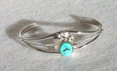 Sterling Silver Twist Wire- Turquoise Little Flower Setting - Bracelet