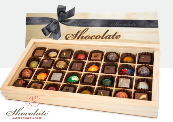 Shocolate 32 piece timber gift box