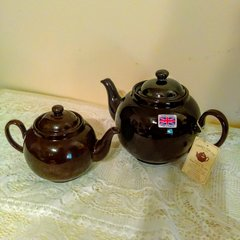 Traditional Brown Betty Teapot by Cauldon Vale, Ltd. - 8 cup