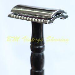 Double Edge Safety Razor – Horn Handle - Medium