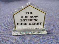 Free Derry Corner Glass Ornament